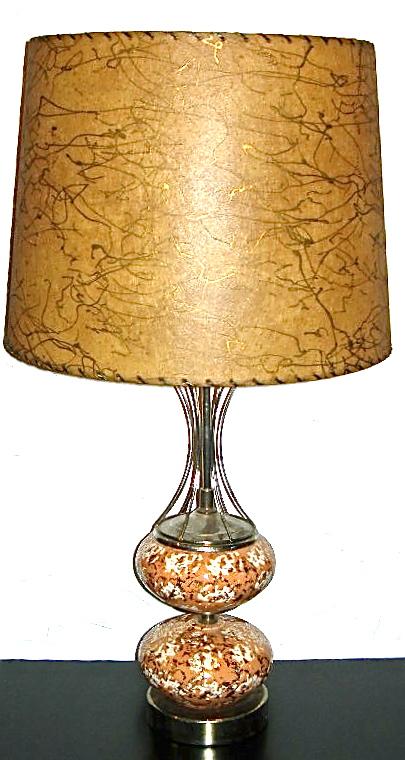 Vintage ceramic peach & gold lamp w/fiberglass shade