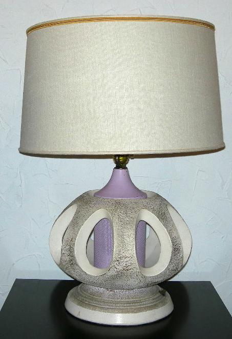 Vintage plaster lamp w/light-up base, SOLD