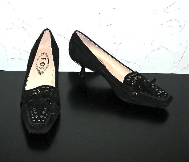 Tod's black suede kitten heels