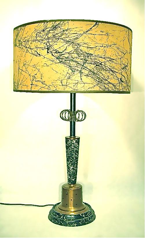 Vintage speckled lamp w/fiberglass shade & light-up base, SOLD