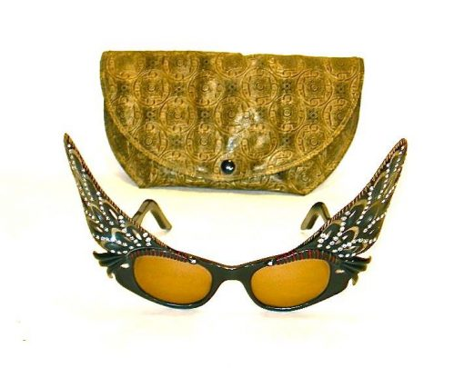 Vintage French sunglasses w/wings and soft case