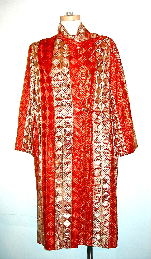 vintage pohoomull bros silk embroidered robe nvision