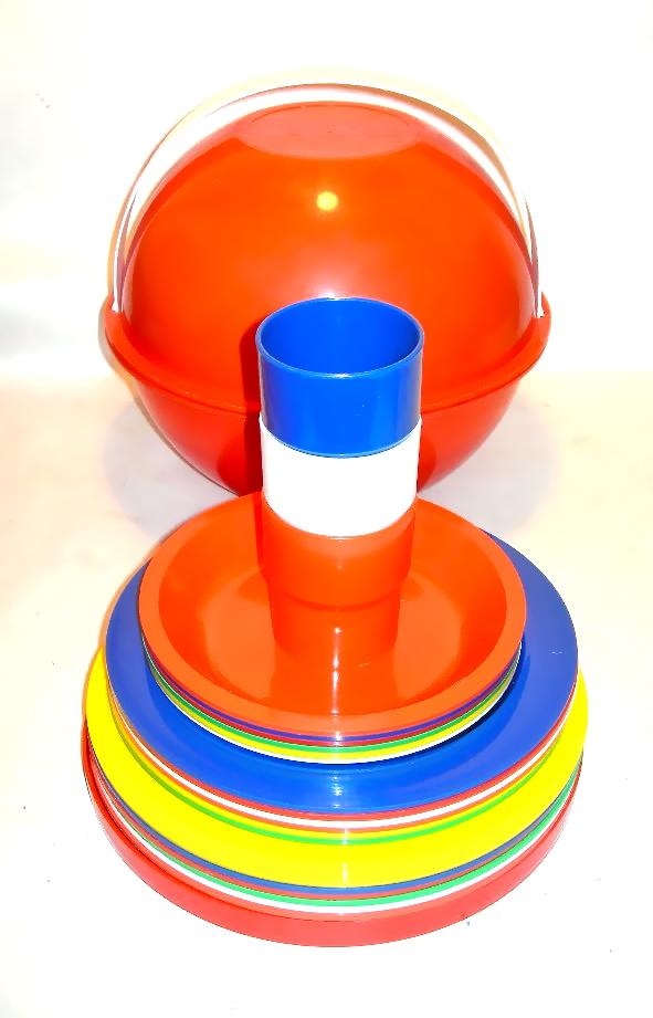 Vintage Ingrid picnic ball, $28