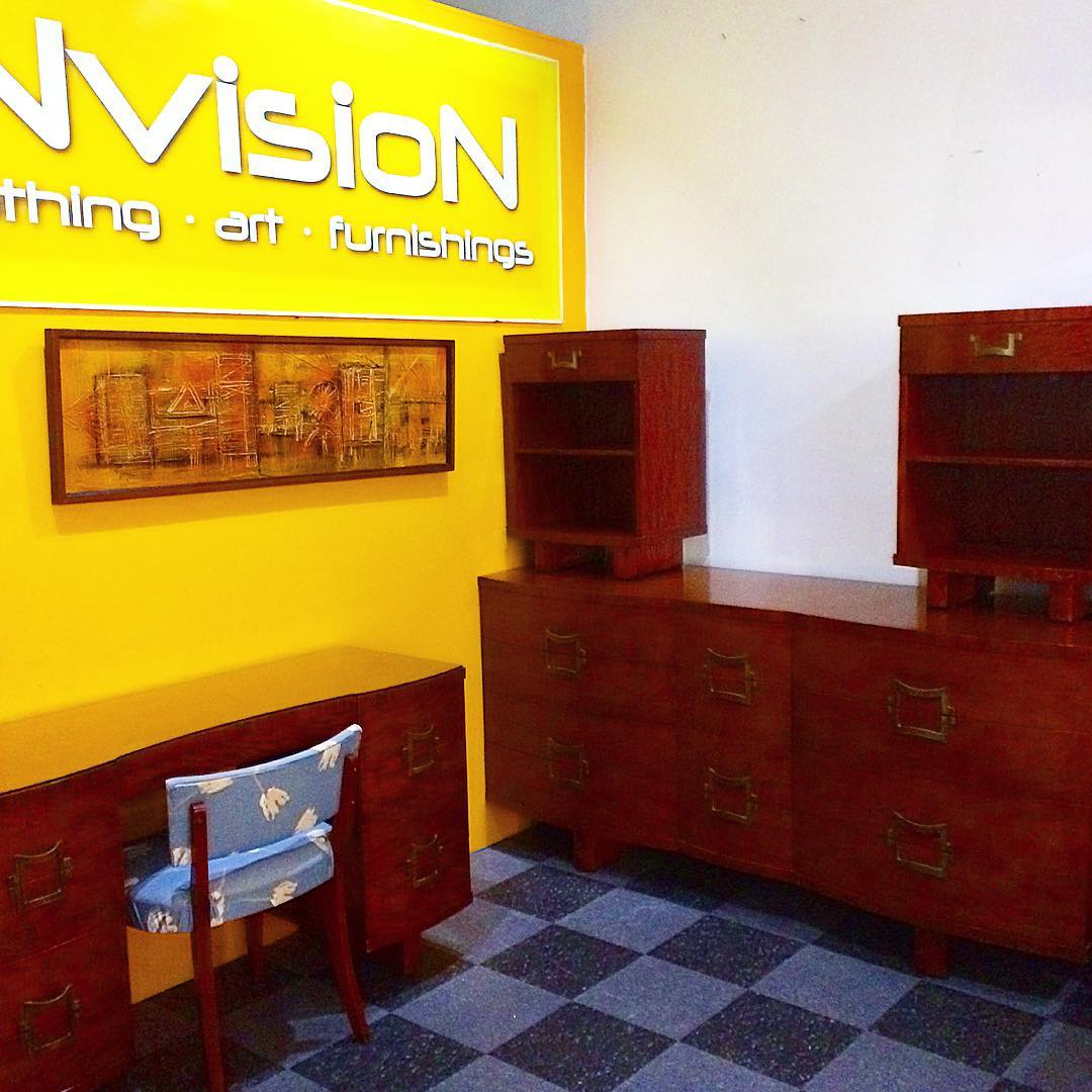 1950s RWay bedroom set, with large 12-drawer dresser, 2 bedside tables, and a glass topped vanity with 8 drawers and a chair,$900/set