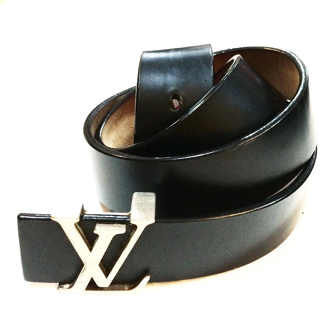 Louis Vuitton black leather belt, size 34