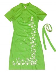 Vintage Tesoro's green dress with floral embroidery